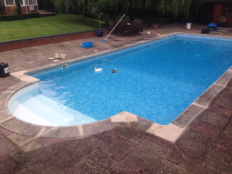 Automatic Safety Cover Aquastyle Pools